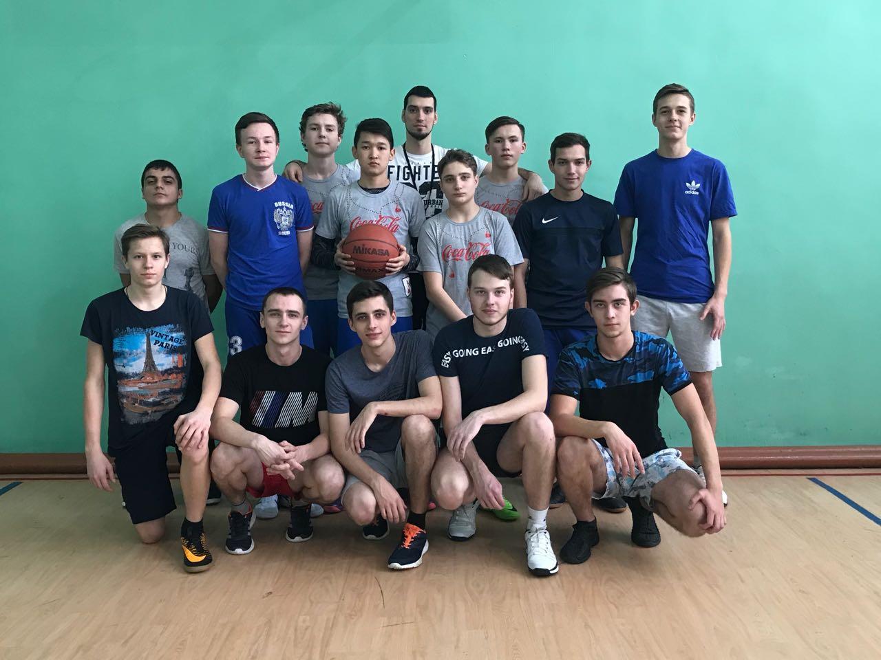 Новогодний турнир по баскетболу среди учащихся старших классов